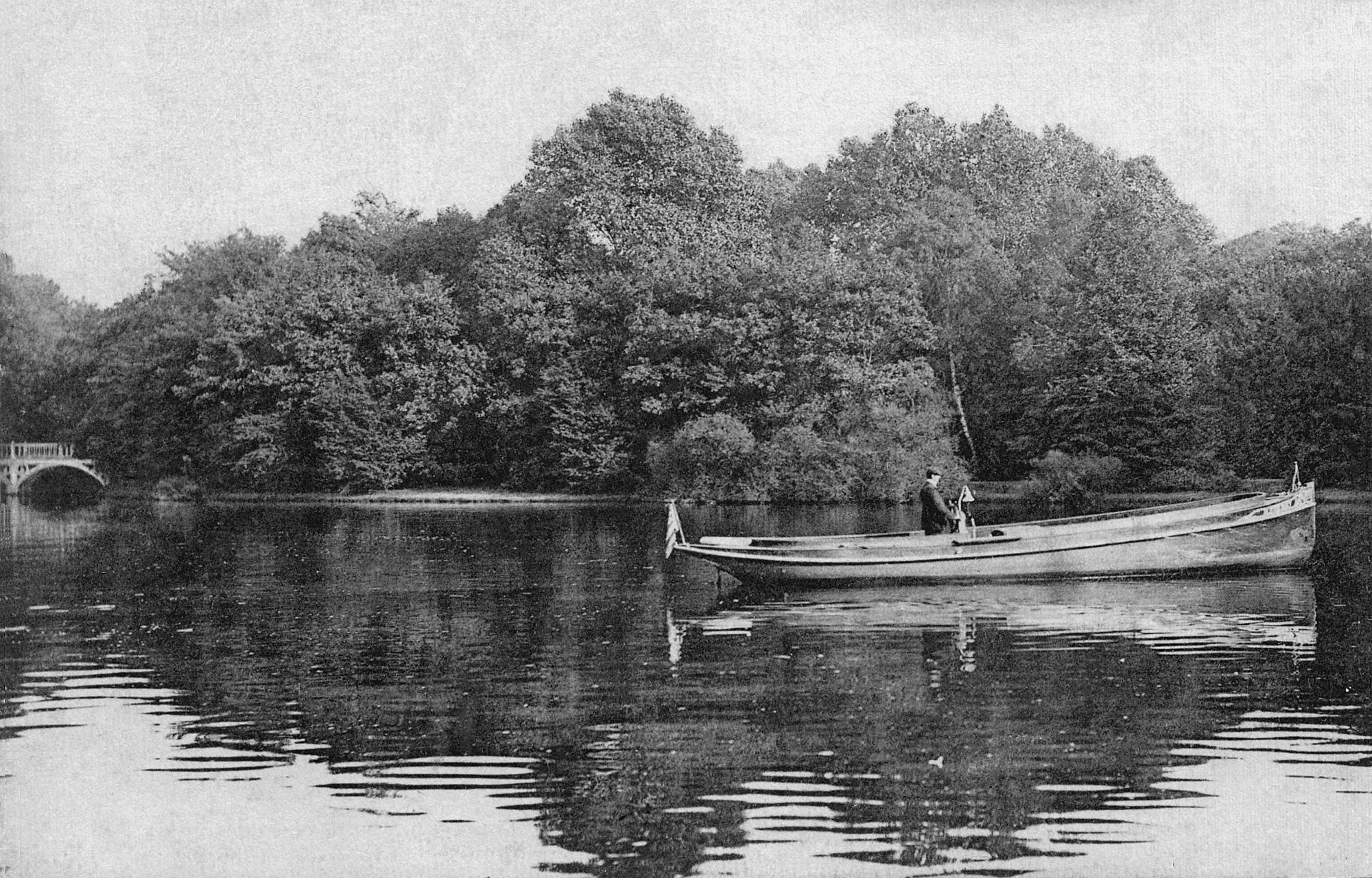 Nr.398 - Meierei, See, Motorboot