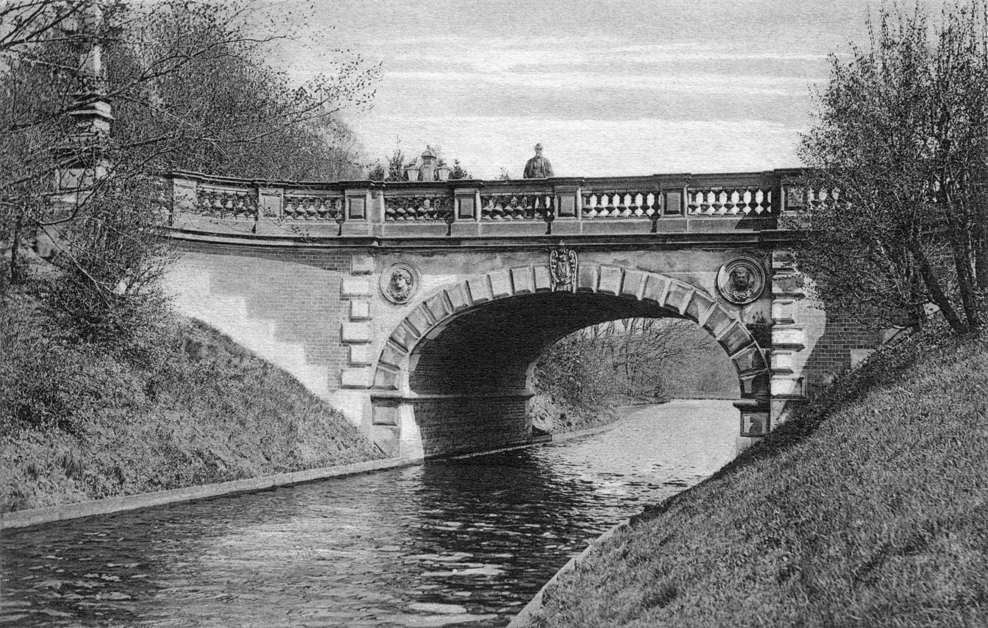 Nr.708 - Melchersbrücke, Mann